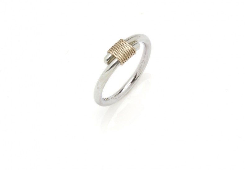 Bound Light Ring