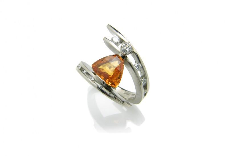 Juno Golden Sapphire Ring