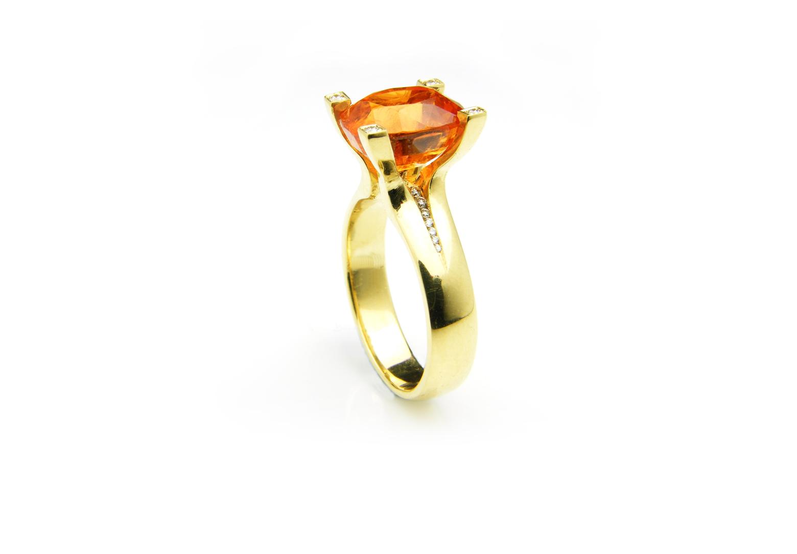 Flare Mandarin Garnet Ring